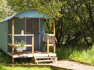 Bramble Shepherd's Hut