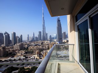 Beautiful Spacious Apt | Full Burj Khalifa View
