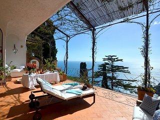 Villa Adone