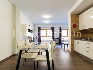 Amazing 2 bedroom flat, private roof terrace