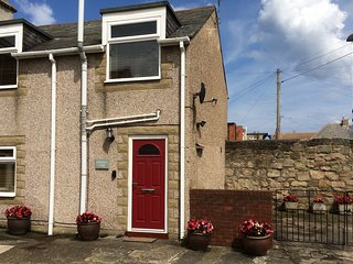 Fisherman's Cottage 2 bed house ,close to the sea.