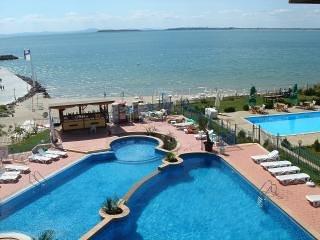 Sveti Vlas - Seafront & Marina Apartment