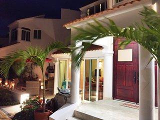 PUERTO MORELOS Beach Front Villa Tranquility