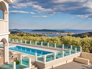 EXTRA DELUXE NEW Villa IVELJA, SEVID ****
