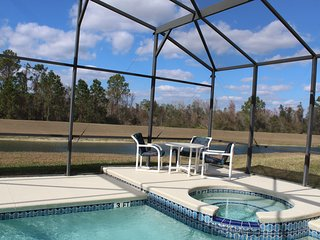 Beautiful 6/5/1 Lake Front, Largest deck! Heated Pool/Spa! 3 miles to Disney!