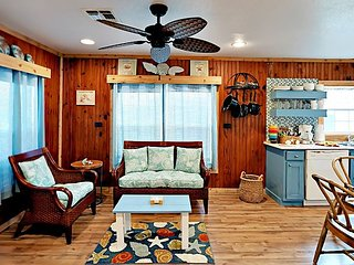 412SS:Sunrise Cabana   2 Bedroom 1 Bath Sleeps 6