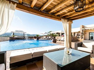 ES RACO VERD: Free Wifi, private pool and mountain view