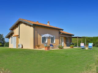 2 bedroom Villa with Air Con and WiFi - 5721033