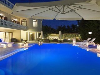 VIP Palace near the beach, Akrotiri Chania Crete
