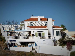 Spacious Villa -  6 bedrooms, Swimming Pool, Sea Views, Private Bar, Pool Table