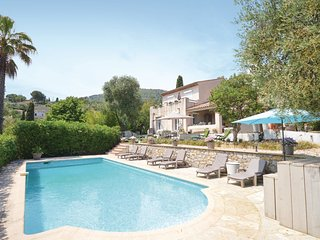 4 bedroom Villa in Spéracèdes, Provence-Alpes-Côte d'Azur, France : ref 5583379
