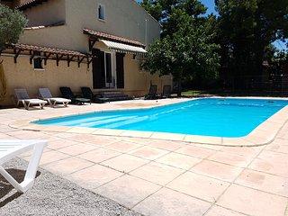 Bel appartement lumineux avec piscine