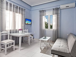 Eleni Apartment 1 -Only 50meters from Sandy Beach!