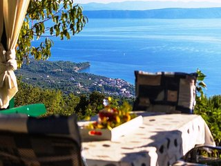Holiday house Tučepi with seaview, garden, grill