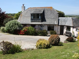 Secluded cottage overlooking the beautiful Helford River
