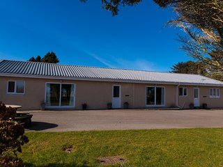 Ty Bach Bungalow 2 on delightful family caravan park near Abersoch