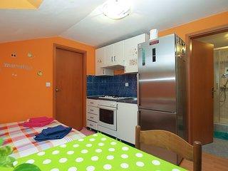 Apartment 16011