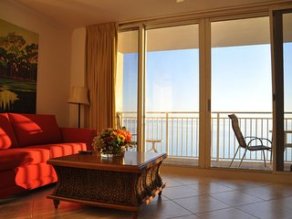 Gorgeous 1BR Oceanfront/Beachfront Condo,No extra charge