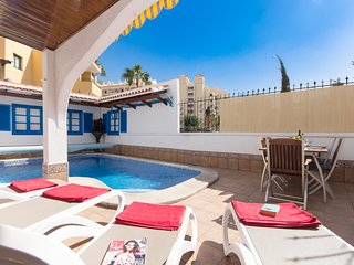 Tranquil 3 Bedroom Villa with Private Pool. 1 km from Los Cristianos beach.