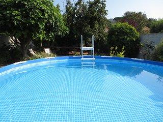 Maison Provençale avec piscine, jardin & jeux pr enfants entre Cassis et Aubagne