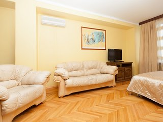 3-room apt. at Novyy Arbat, 26 (120)