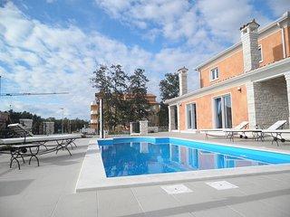Modern Villa with pool near the sea