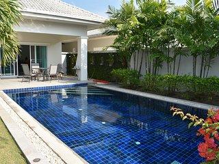 3 bedroom pool Villa Jued