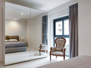 Catania Luxury Seafront Home w/ Terrace - 10min to Duomo,15km to Etna