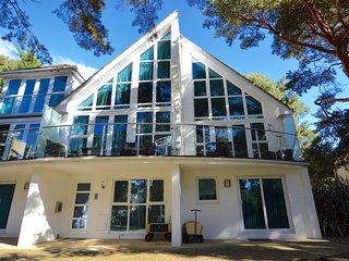 4 Red Sails,a modern town house in Sandbanks sleeping 8 guests