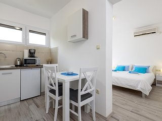 Studio Apt in Trogir Old City Centre I