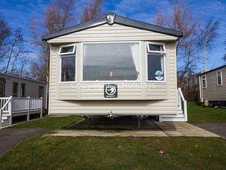 6 Berth Caravan in Hopton Haven Holiday Park, Great Yarmouth Ref: 80020 Troon
