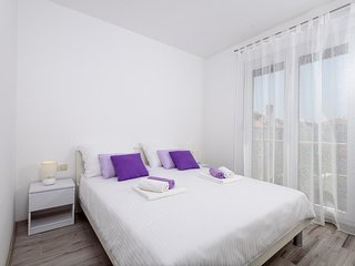 Apartment for 6 in Trogir Old City Center