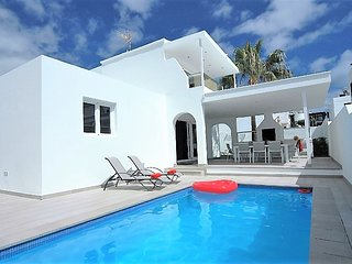 Fantastic central location. Villa with 4 beds and wifi Ref LVC222099