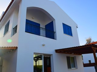 Villa Cresslan - 2 Bedroom Villa with Private Pool - DISCOUNTED!!
