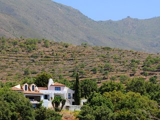 NEW LISTING. Amazing 4 bedroom villa with spectacular views and private pool