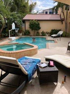 Paradise Captiva! Your own private beach resort. 5BR/5BA, 3min walk to beach!