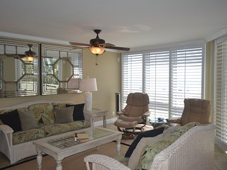 SeaSpray Perdido Key Condo # 206 Georgous 3 Bedroom, 3 Bath corner unit on Gulf