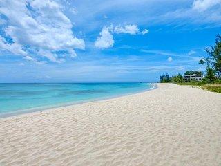 Exclusive three bedroom beachfront villa Sea Turtle