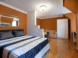 FIRST DISTRICT VIENNA OPERA CITY CENTER APARTMENT