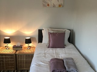 Budget Accommodation Minutes from Junction  30 M1 Free Parking