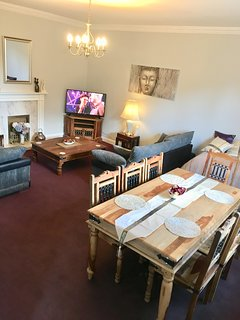 very spacious lounge and open plan diner seating eight guests