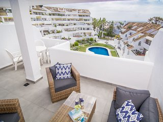 ELD1-Stunning 2 bedroom penthouse Puerto Banus