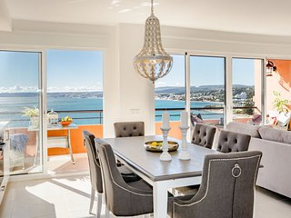 CP - Modern Beachside Apartment in Estepona
