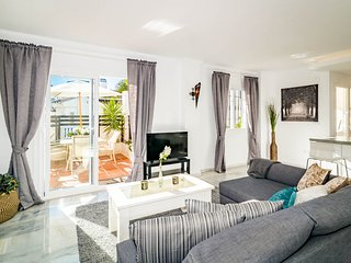 LNM- Modern Penthouse with Terrace in Puerto Banus