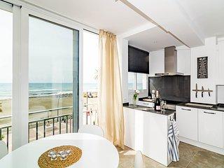 ELG-1 bedroom front line beach Estepona