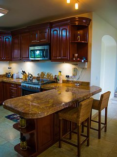 Fully stocked kitchen Dish washer