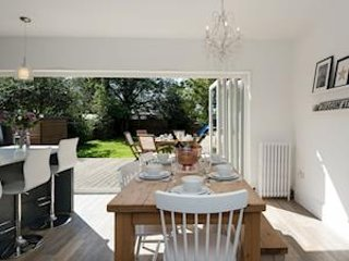 Large Modern Scandi style detached holiday house  - Sleeps 8