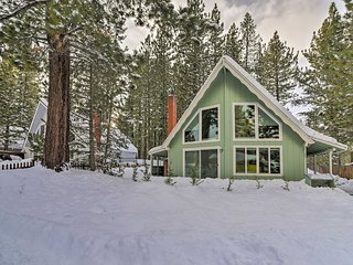 Quaint S. Lake Tahoe Cabin w/ Deck, Games & Grill!