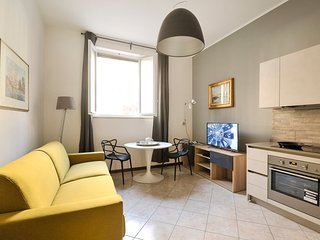 Underground studio apartment in the center of Milan