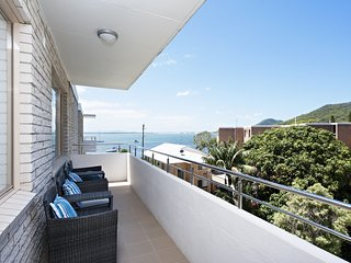 Del Rae, Unit 18/25 Shoal Bay Road